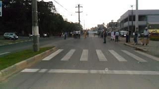 COMUNIDADE PROTESTA NA AV. CHILE (fotos)