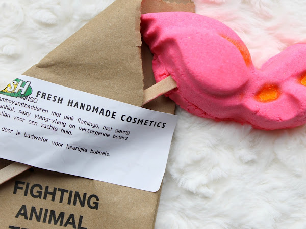 LUSH Pink Flamingo Bubble Bar