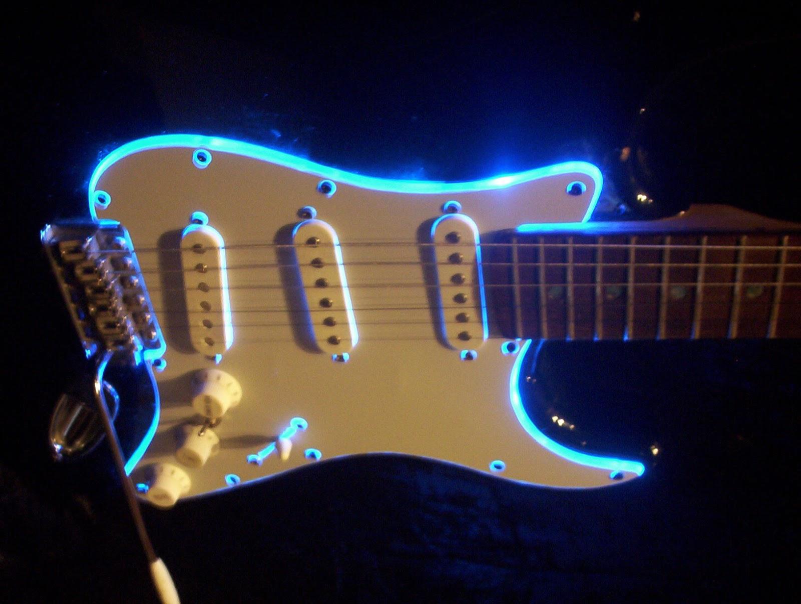 tentang gitar elektrik juli 2013