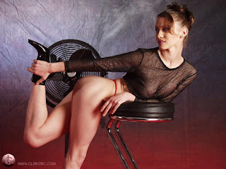 Teen Nude Girl - rs-p6255649-742064.jpg