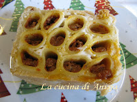 http://lacucinadianisja.blogspot.it/2013/01/timballo-di-rigatoni-in-crosta.html