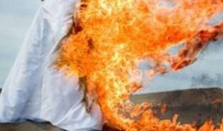 baju terbakar