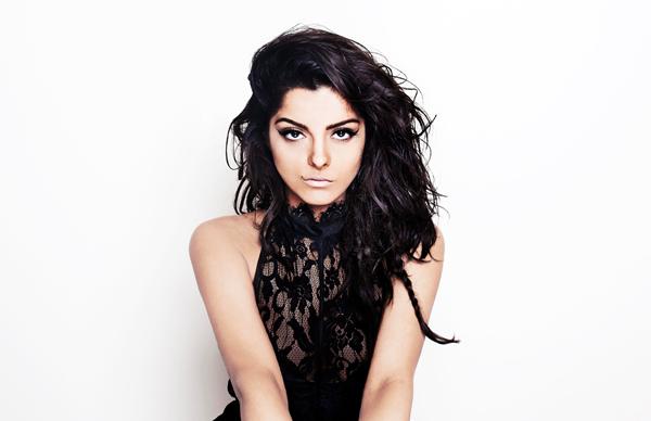 Bebe Rexha, en el nuevo álbum de Iggy Azalea
