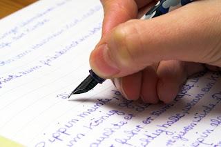 An English teacher writes an essay about student achievement best practices