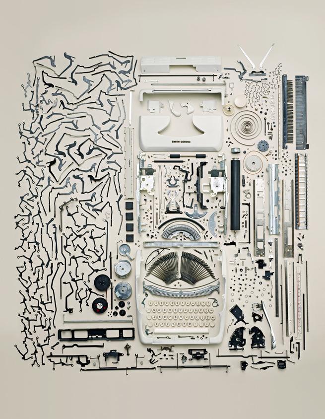http://4.bp.blogspot.com/-nftnEJfwLdQ/TbbK197X-9I/AAAAAAAACFE/8k20K3Ecm1Y/s1600/typewriter.jpg