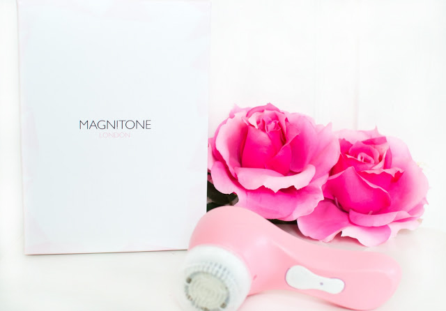 Magnitone Barefaced facial cleansing brush