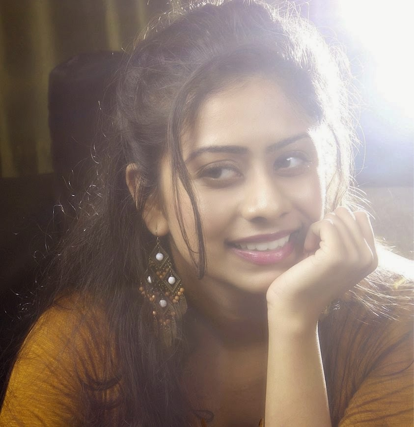 South Hot Girl Priya Lal HD Wallpapers / Images / Photos