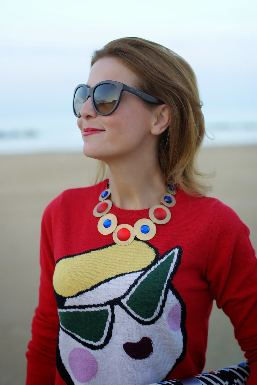 Love Moschino red sweater, Vitti Ferria Contin necklace, Fashion and Cookies, fashion blogger