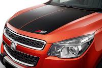 Holden Colorado Z71 4x4 Crew Cab (2016) Bonnet Decal Detail