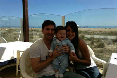 Messi published a photo with his wife