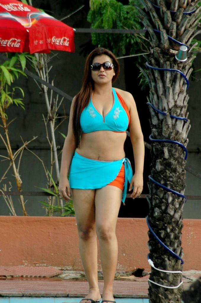 Tamil actress sexy boob