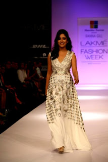 Mauritius-Tourism-Presents-Ranna-Gill-Collection