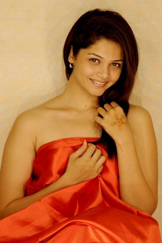 Tamil Actress Anuya