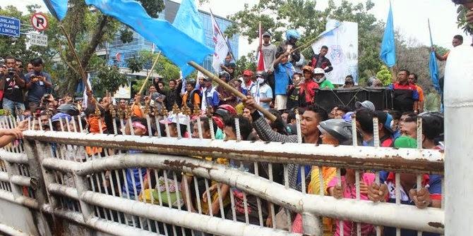 http://dangstars.blogspot.com/2014/11/inilah-tuntutan-demo-buruh-di-medan.html