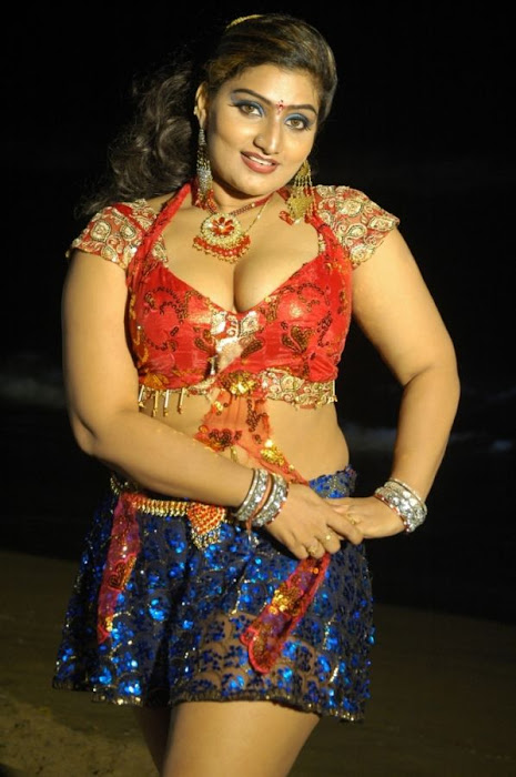 babylona in avan appadithan movie latest photos