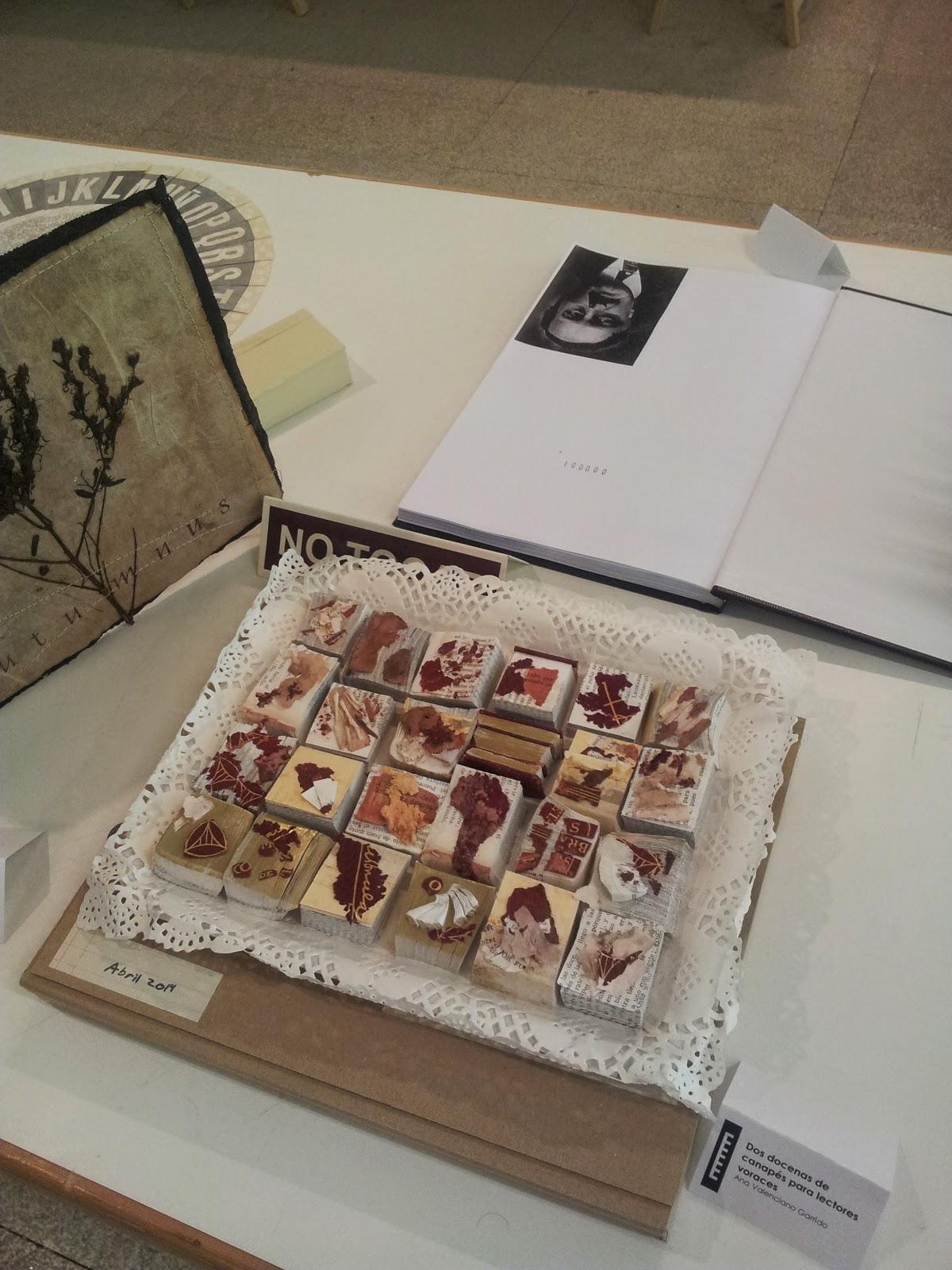 Dos docenas de canapés para lectores voráces, Ana Valenciano