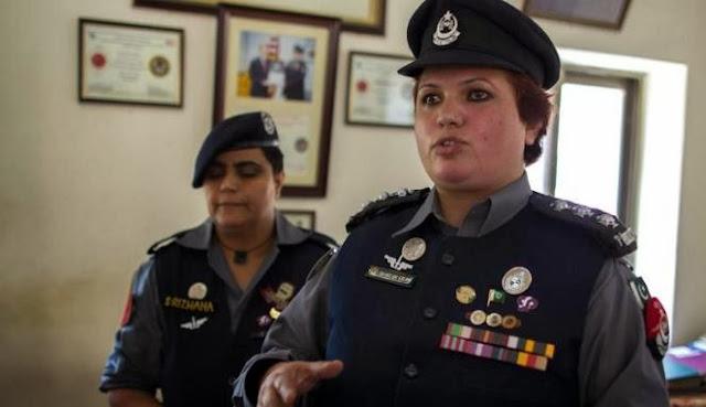Kisah Perjuangan Wanita Pakistan Menjadi Polisi