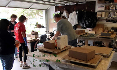 Divasofthedirt,how to mix hypertufa