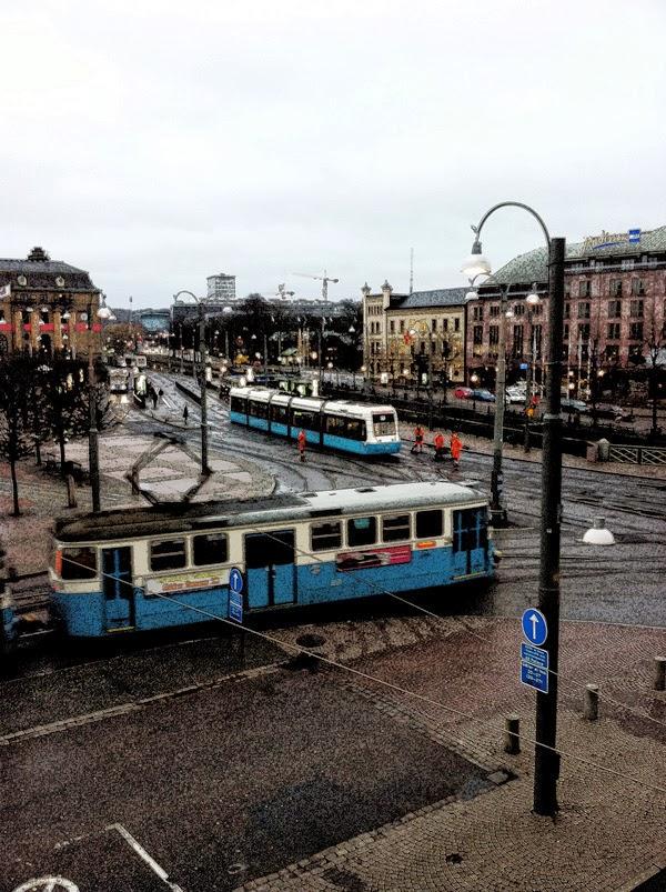 spårvagnar i göteborg, utsikt från grand hotell Opera, göteborg, stadsvy i Göteborg