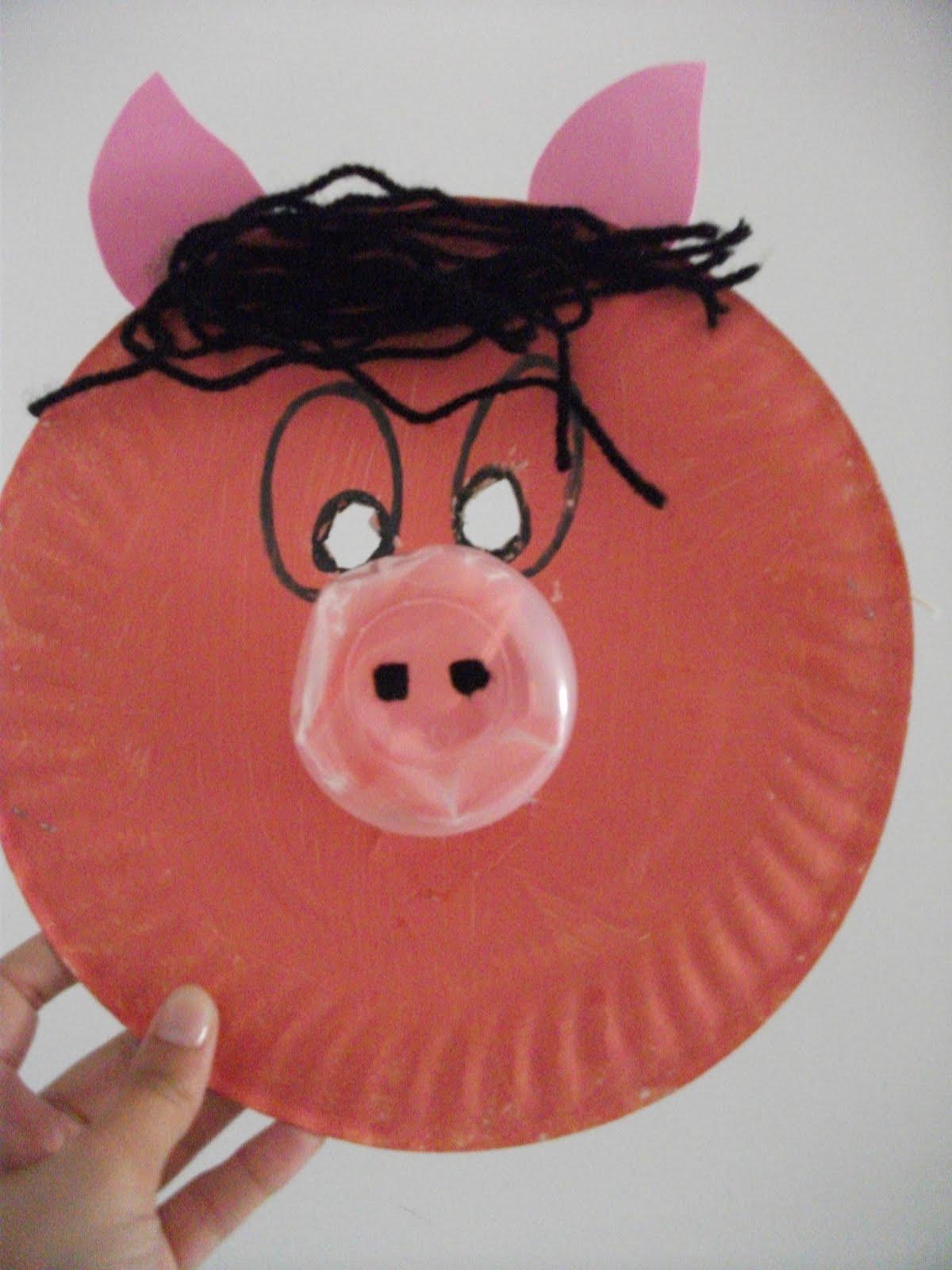 Máscaras com pratos de papel  DSCF0439