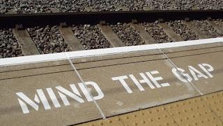 mind the gap london londres metro