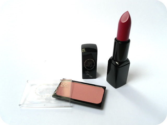 A picture of Dita Von Teese Artdeco Blush in Paramour and Dita Von Teese Artdeco Lipstick in Demoiselle