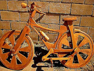 Bicis de madera rodando por Sanabria