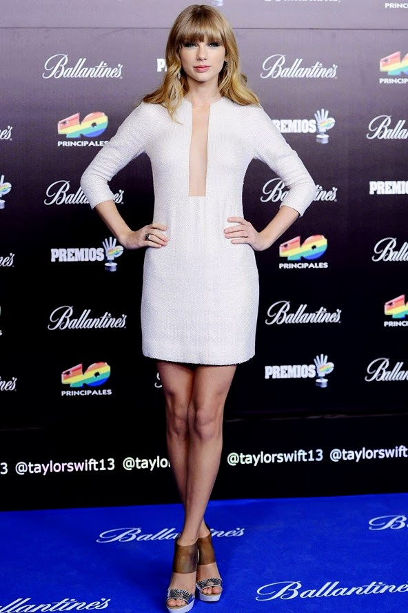 Taylor swift all white outfit