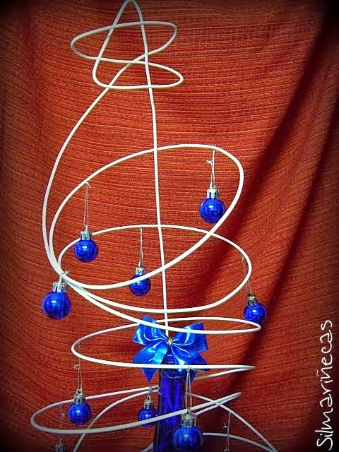 Silmari ecas diy rbol de navidad con alambre y botella - Arbol de navidad de alambre ...