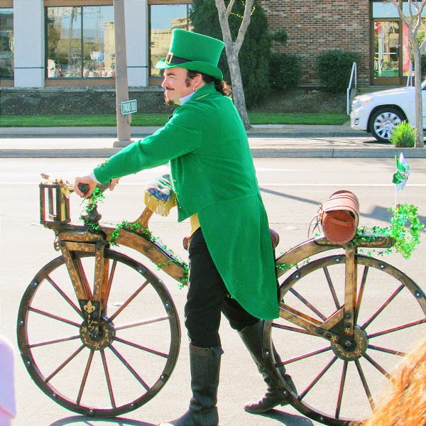 Dublin St Patrick's Day Parade 2014 // Pirate Leprechaun & His Old Fashioned Bicycle