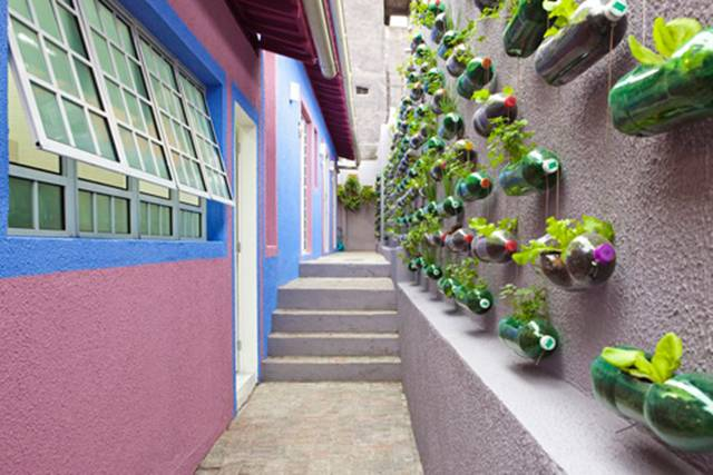 Rosenbaum designed a pretty amazing vertical garden that was suspended in a narrow walkway just outside the house. Reponse to the garden was so huge the firm quickly released design schematics (in Portugese) detailing how to build one.