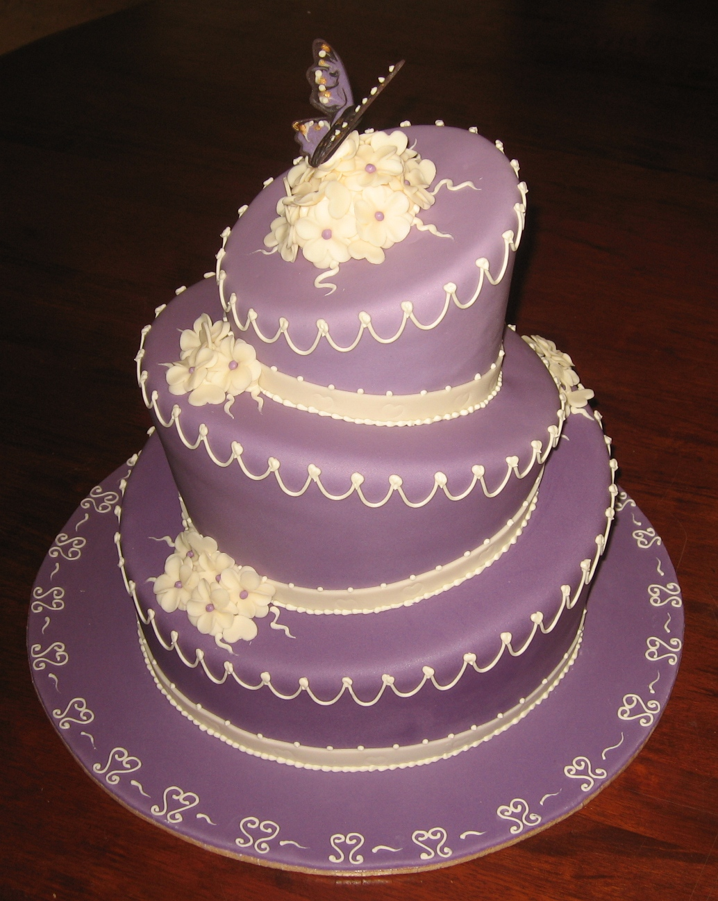 Images Of Purple Wedding Cake : Cake ideas on Pinterest Purple Wedding Cakes, Chocolate ...