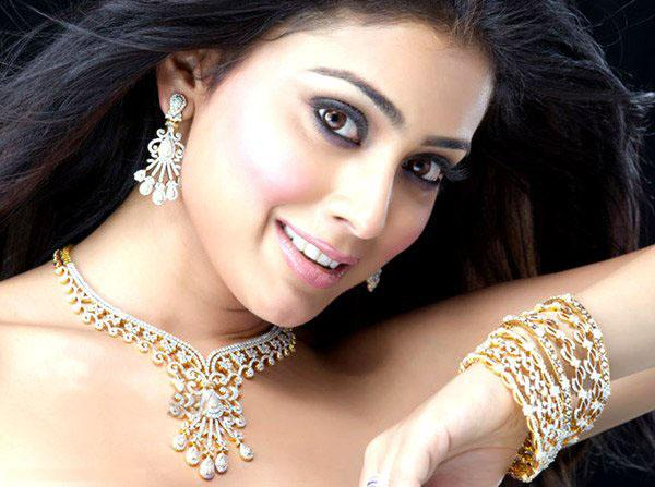 Shreya Saran Jewellery Ad Stills