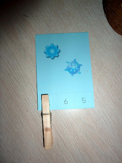 winter-montessori-trays