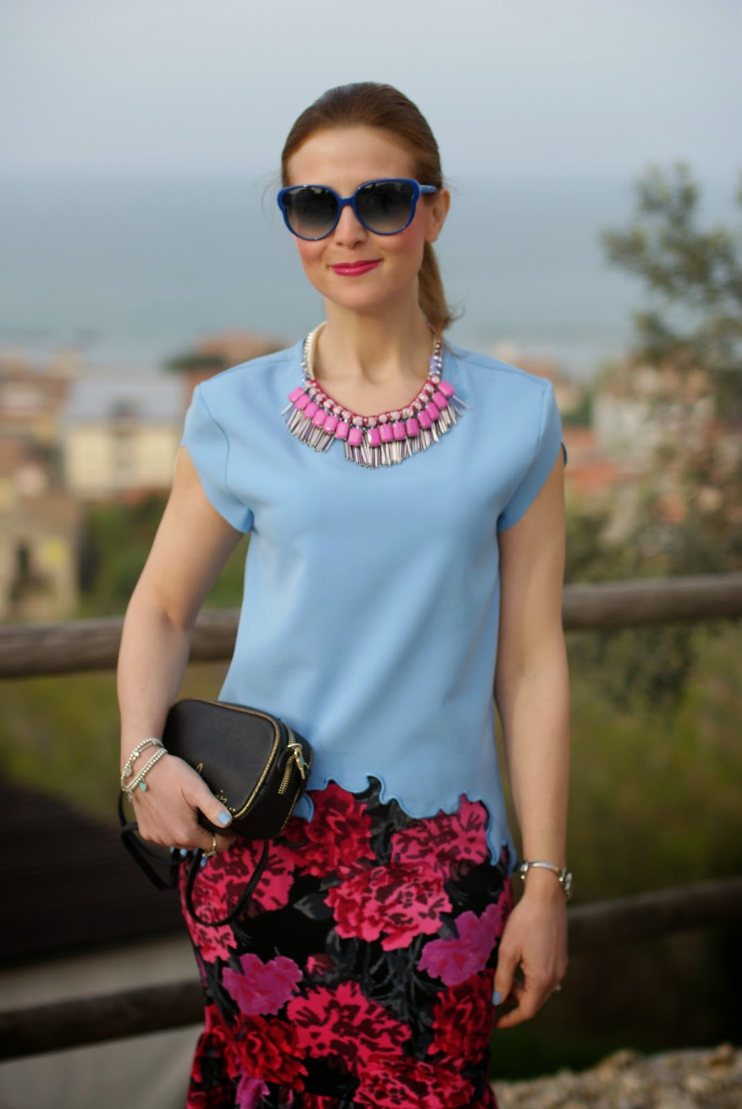 Zara azure blouse, Sodini bijoux pink necklace, zara bonsoir bag, Fashion and Cookies, fashion blogger