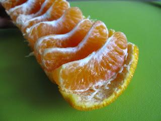 Cara Unik Makan Jeruk