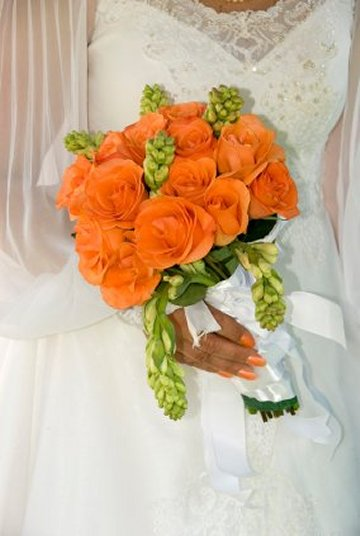 green bay wedding dresses orange wedding flowers orchid wedding flower arrangements. Black Bedroom Furniture Sets. Home Design Ideas