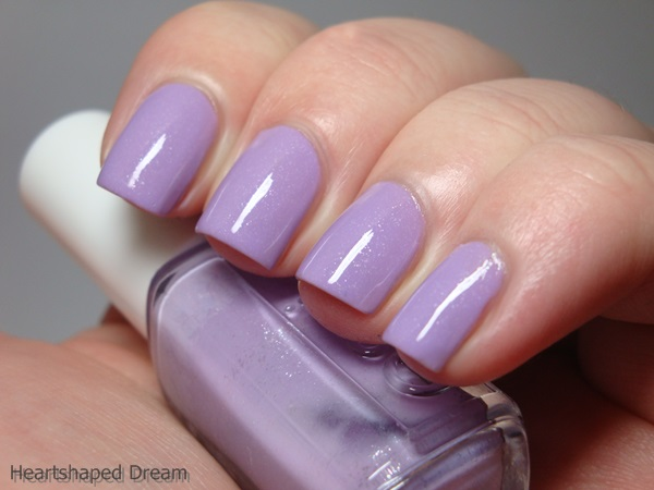 http://heartshapeddream.blogspot.de/2015/02/essie-263-full-steam-ahead.html