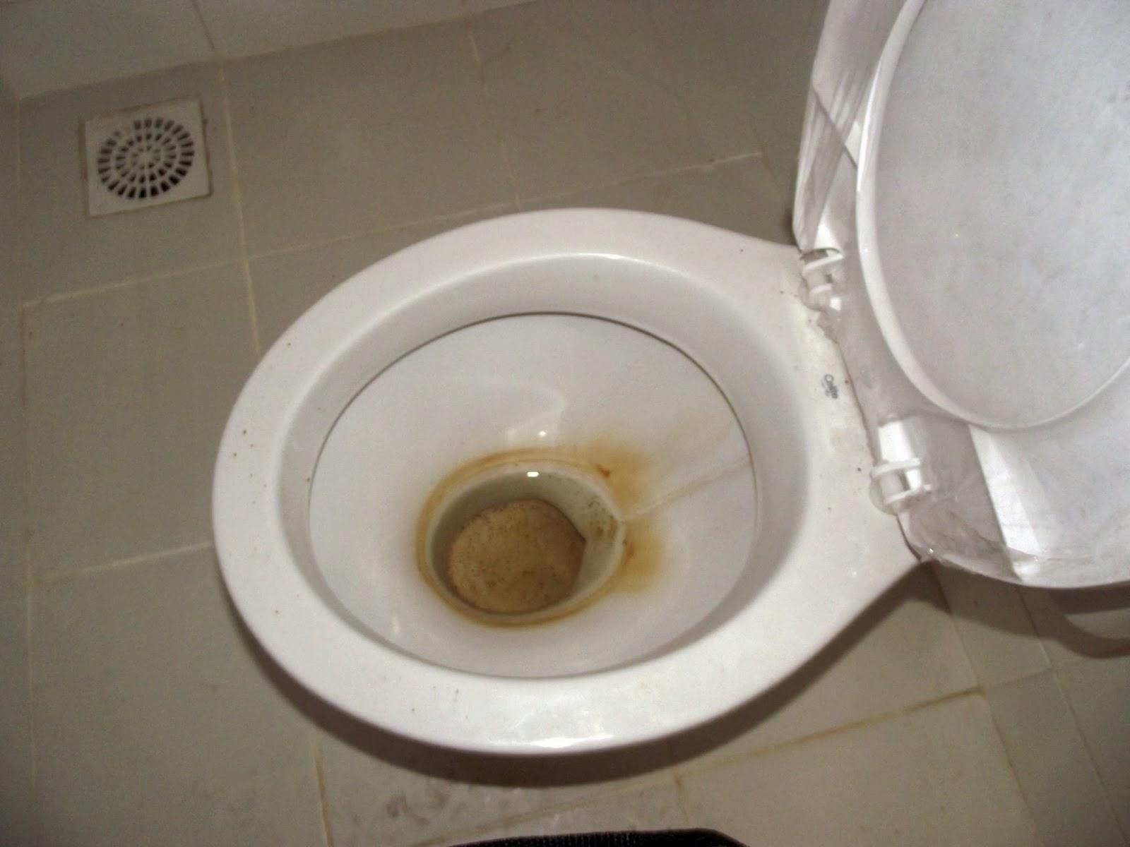 sacada rombo no banheiro da suíte rombo em outro banheiro #5C4E38 1600 1200