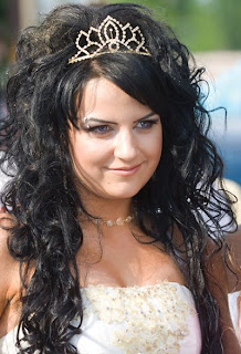 Curly Prom Hairstyles on Long Curly Hairstyles For Prom   Hairstyles Highlights