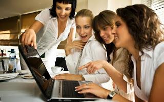 Relationship between friends online