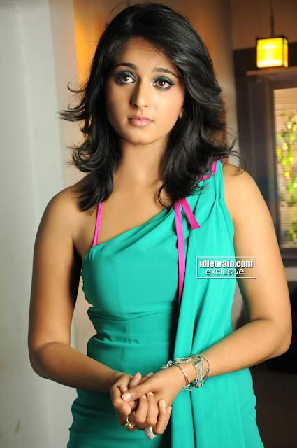 Anushka Shetty Pics http://www.picshits.blogspot.com