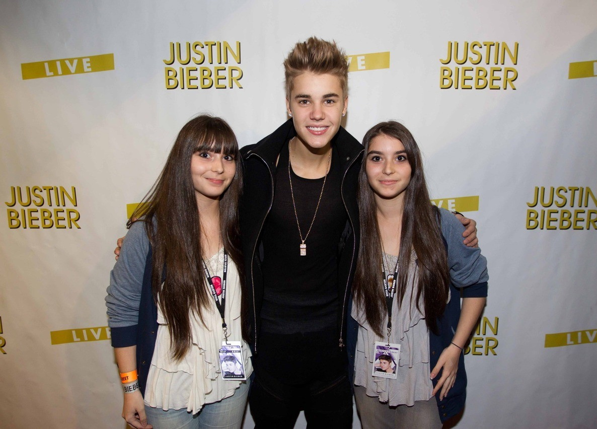 Justin biebers latest news justin bieber meet and greet in winnipeg canada oct18 kristyandbryce Image collections