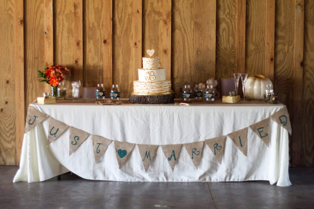 Wedding Gift Ideas For Runners : Fall Wedding Series #4The Cake and Present Tables ~ Create. Share ...