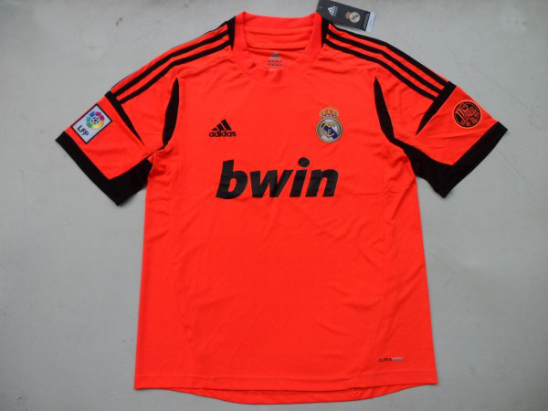 Jersey Kiper Real Madrid Warna Orange 2012/2013
