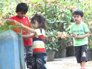 Melatih Dan Mengenalkan Perilaku Sosial Pada Anak [ www.BlogApaAja.com ]