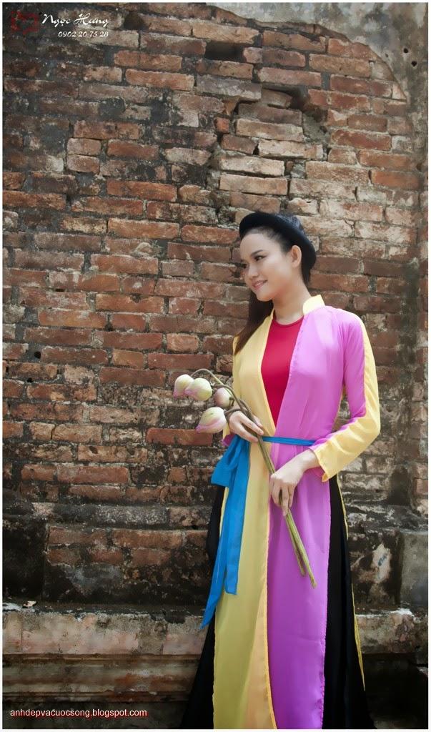 Thiếu nữ Huế xinh đẹp với áo tứ thân 11