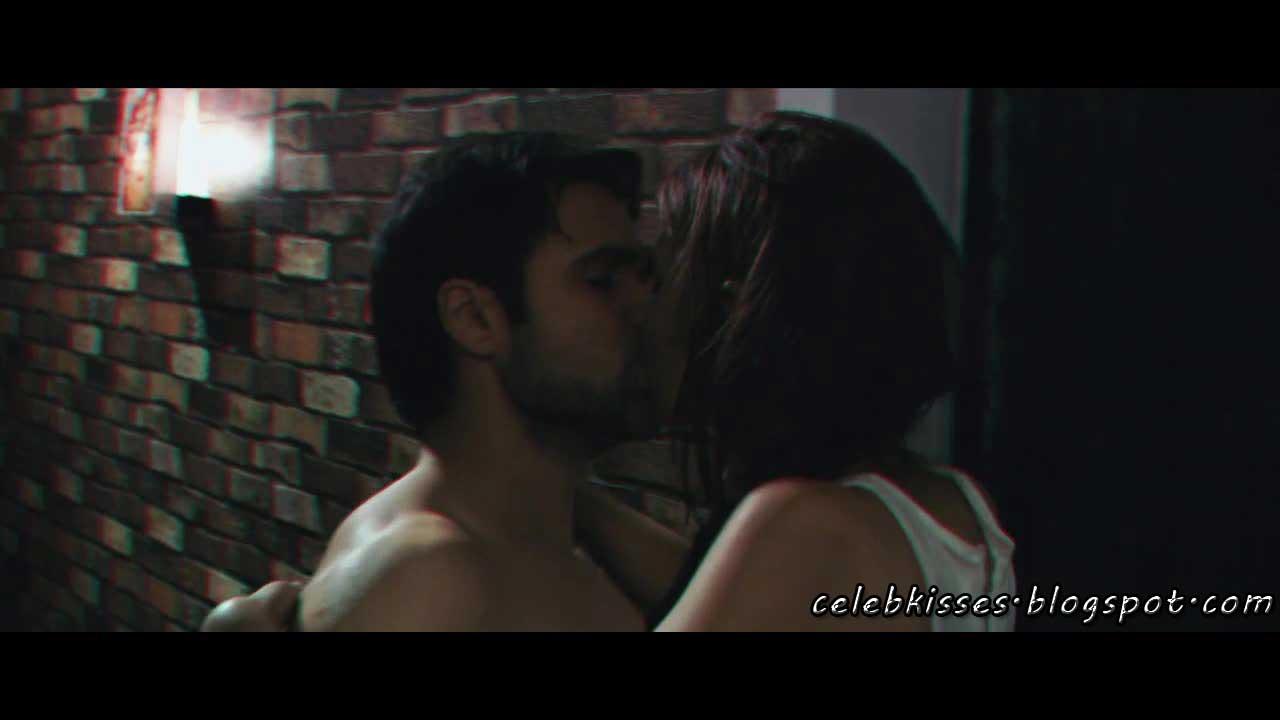 Imran Hashmi Kiss Videos