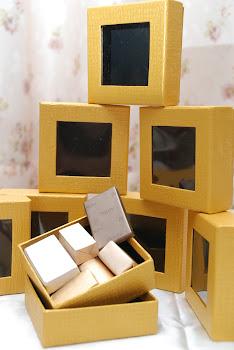 Contoh Kotak Hadiah
