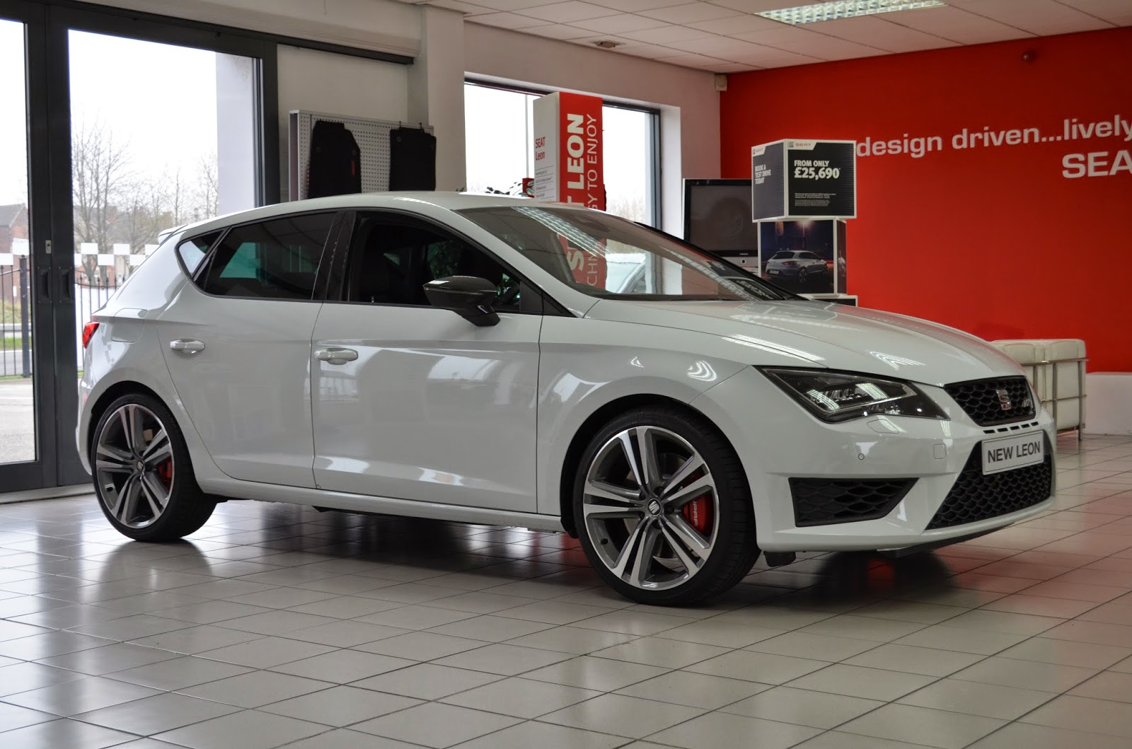 autoworld seat leon cupra 280. Black Bedroom Furniture Sets. Home Design Ideas
